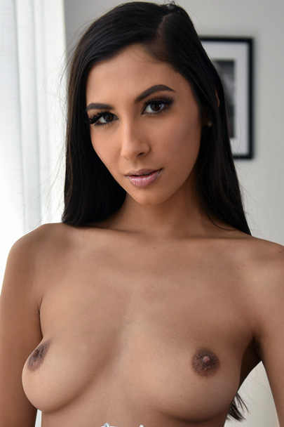 Interactive Porn Games with Gianna Dior